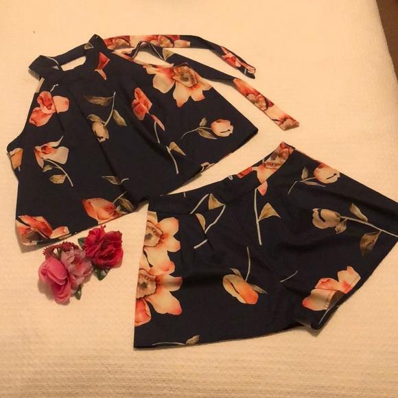 Medium/Shein Floral two piece Set/short set